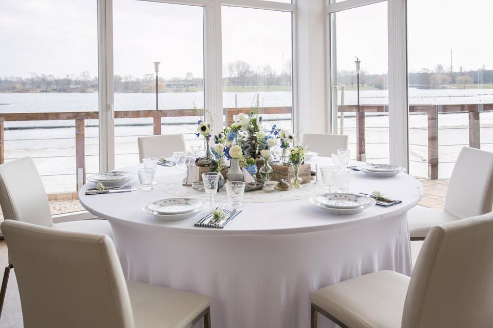 Vintage Hochzeit Am Strand Des Fuhlinger Sees Maritime Tischdeko Im